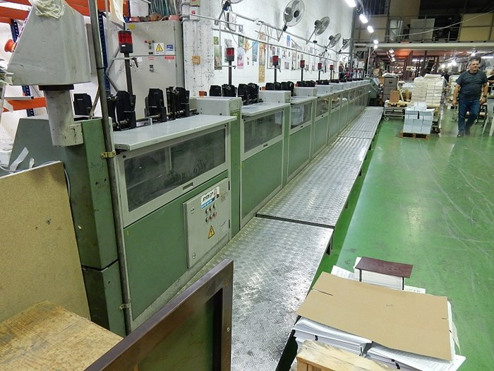 22 stations collating machine