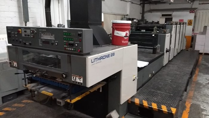 Komori L428 + Coater 4 Unit Press