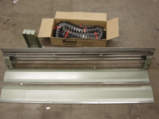 Muller Minuteman 6' chain rail w/ chains, covers & stands