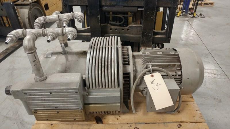 1998 Rietschle vacuum pump type CLFT 141 DV (02)