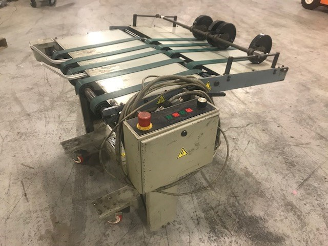 Stahl 1426A-RS delivery conveyor for folder