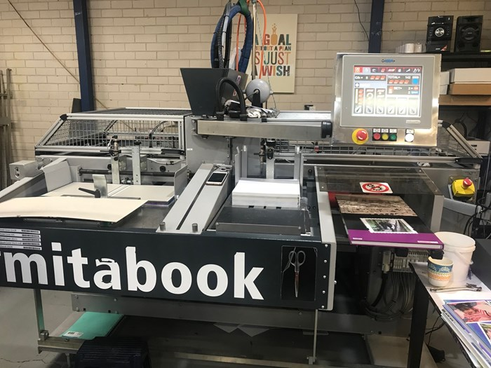 Photobook Technologies Mitabook horizontal casing in.