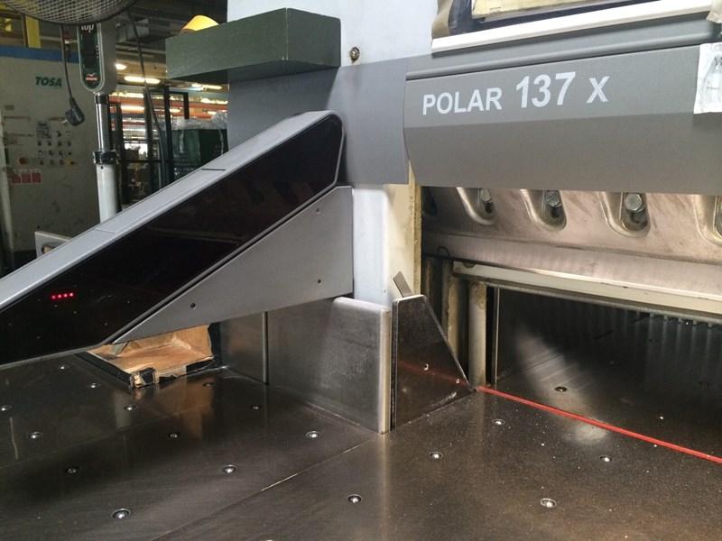 Polar 137 x