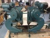 Pneumatic 2-head riveting machine