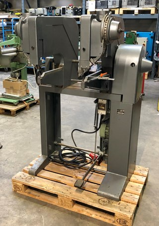 Hang 150 - 2 head riveting machine