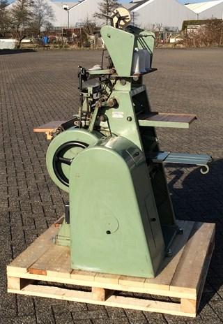 Muller Martini FK-1-S Sewing machine