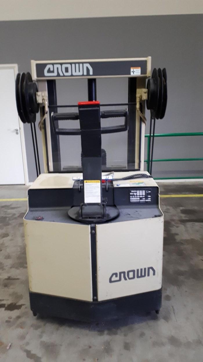 Crown 30 WRTF - 102  Reachtruck