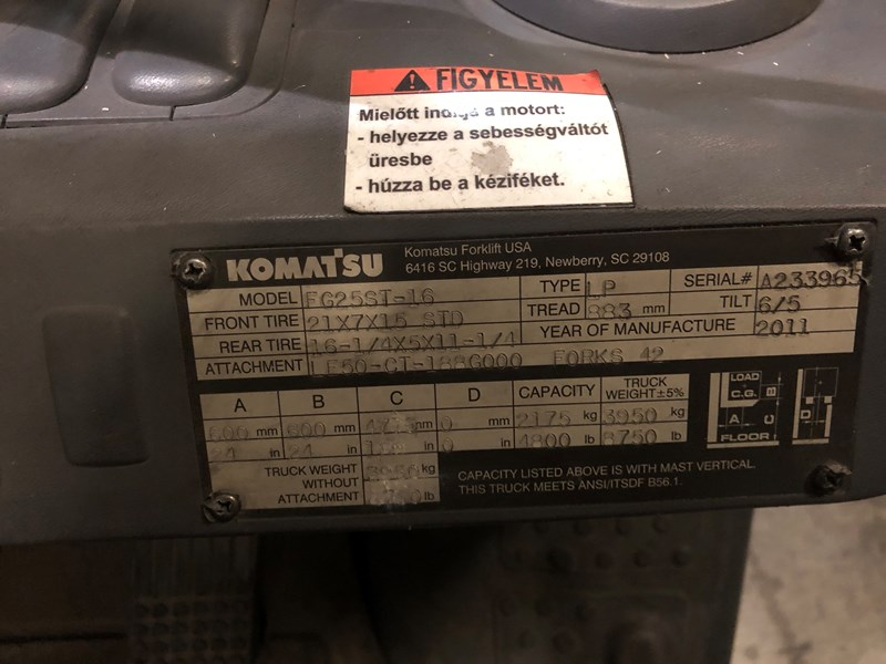 Komatsu FG25ST-16 4800lb Forklift