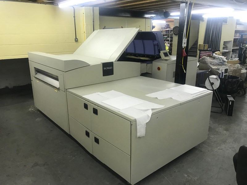 Screen PT-R8800Z / III