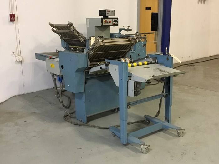 """MBO B20 pile fed 20"""" x 26"""" 4/4 folder with 8 page right angle section"""