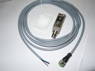 Photo reflector sensor from Omron E3S-CR67-C