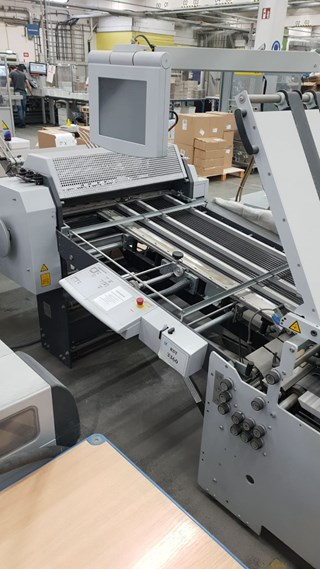 Stahlfolder TH82 with round pile feeder. 1 station perf & slitting , 2nd 4 pockets no delivery
