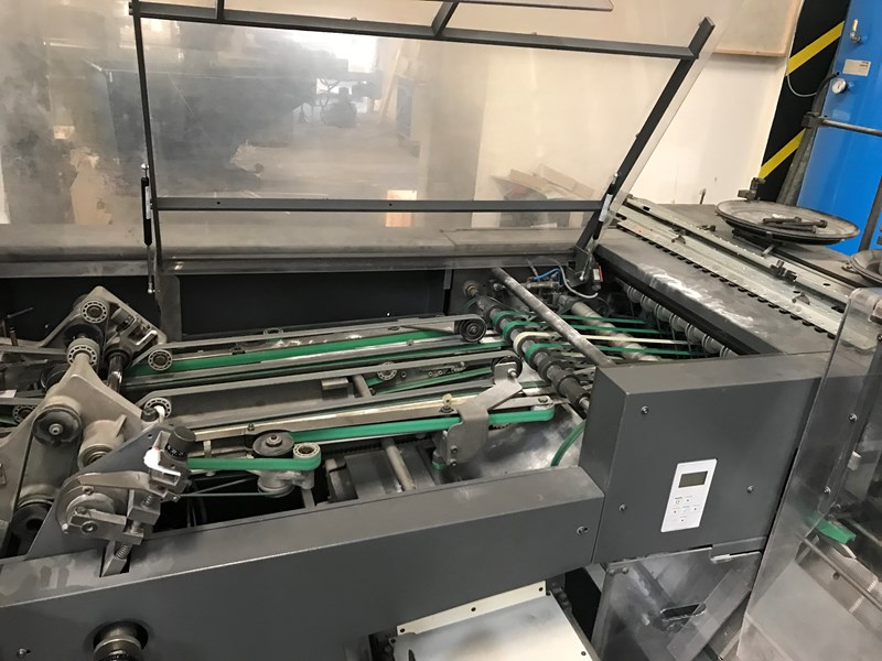 Heidelberg Stitchmaster St 400-6+cover, with center cut