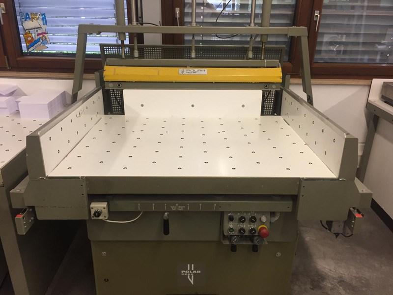 Polar 137 EMC Monitor