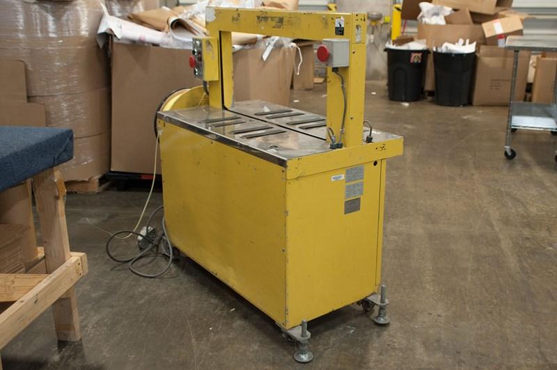Trapack Banding Machine RQ-8A/ CB2562